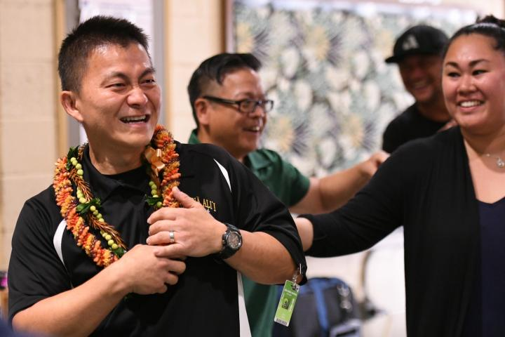 Aiea 2017 colleagues congratulate Ken Kang