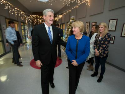 Governor Phil Bryant Deborah Bryant before assembly