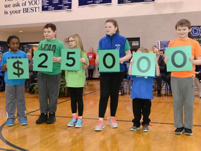 Oak Hill students spell 25000