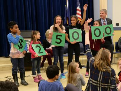 Chester Valley students spell 25000