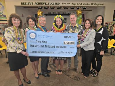 Honolulu 2018 Sara King check dignitaries