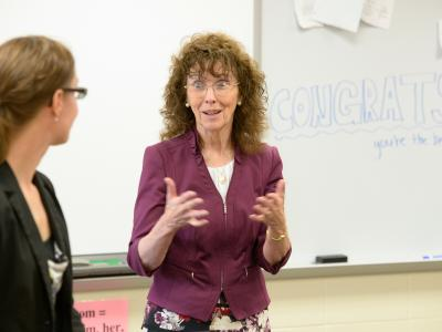Jane Foley visits Gina Benz classroom
