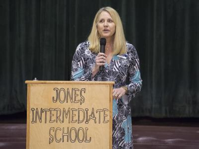 Jones Intermediate principal Sherry Cox