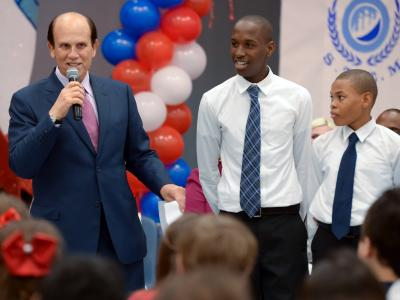 Luis Espinosa Mike Milken and volunteers