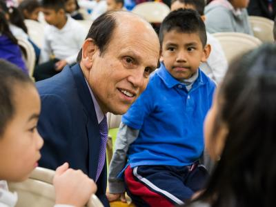 Michelle Johnson Mike Milken chats with students