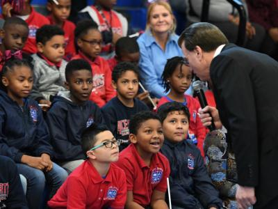 New Orleans 2017 Lowell Milken talks with students