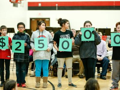 South Sioux City 2017 students spell 25000
