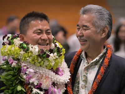 Aiea 2017 Ken Kang David Ige ovation