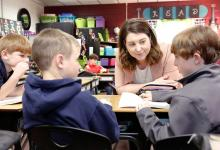 Lindsey Parker teaches students