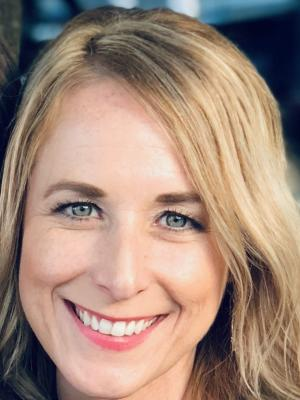 Jennifer Albert headshot
