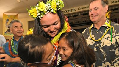 Honolulu 2018 Sara King student hug